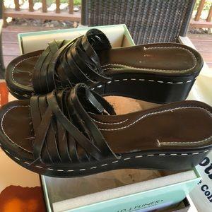 Donald J. pliner black lesther platform sandal
